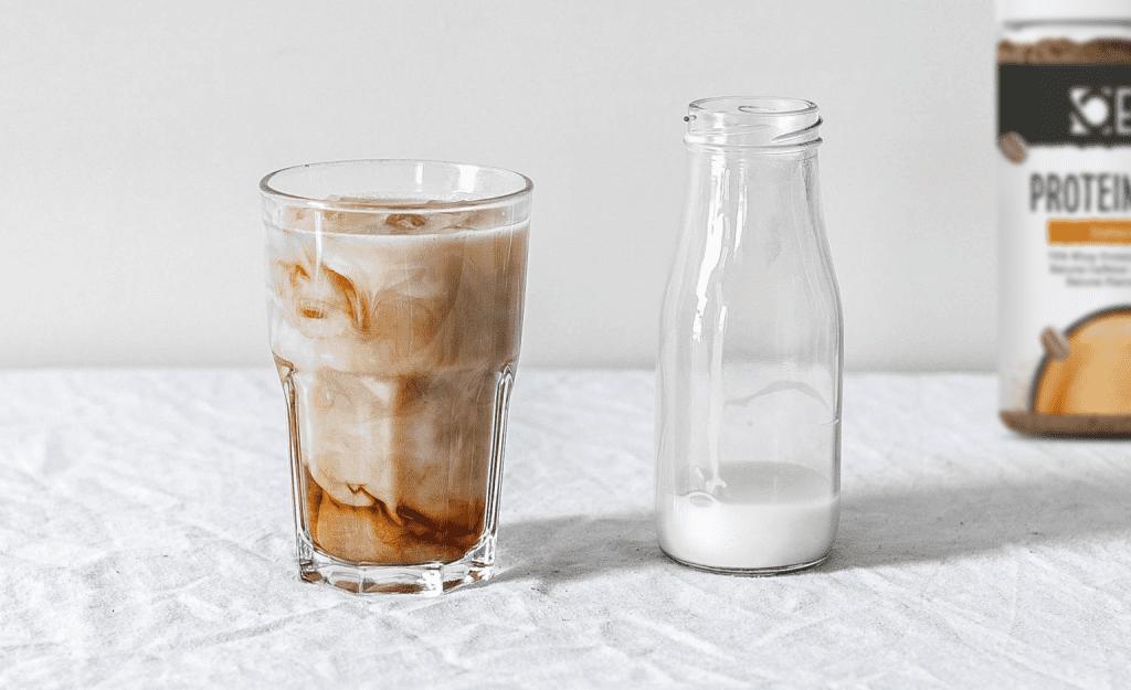 Café frappé alto en proteinas